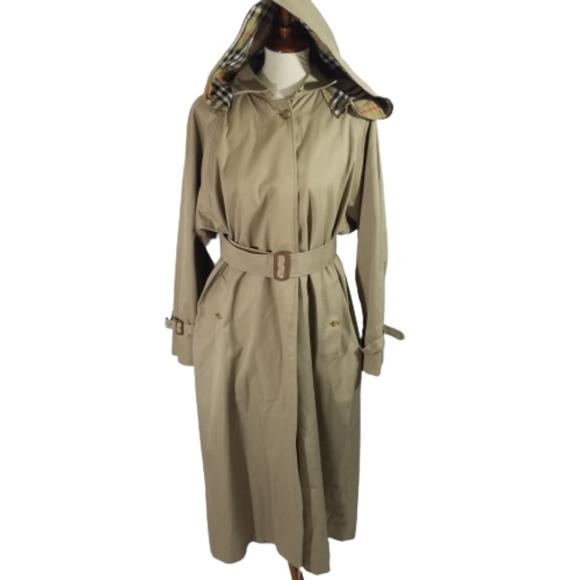 Burberry classic camel trenchcoat sz 14 Long